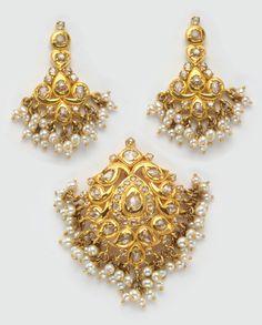 Indian Jewellery and Clothing: uncut diamond pendants