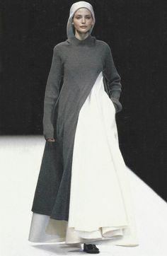 nadja auermann at yohji yamamoto fall winter 1996/97