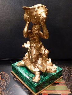 Sculpture En Bronze Doré Et Malachite, Triton Sur Une Tortue, Russie, 19ème…