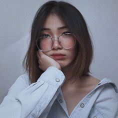 """and this piece is called """"What Up, I'm Dana, I'm And I Never Learned How To Read"""" (aka i took too many photos that day so pls bear wt… Cute Korean Girl, Asian Girl, Aesthetic Fashion, Aesthetic Girl, Ulzzang Glasses, Pinterest Girls, Western Girl, Handsome Actors, Girls With Glasses"""