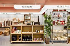 The Central Market diseñado por Cirera+Espinet Shop Interior Design, Retail Design, Store Design, Mini Mercado, Food Retail, Fruit Shop, Store Interiors, Central Market, Retail Space