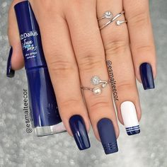50 Pretty Ways to Wear Dark Blue Nails - 17 - Hair and Beauty eye makeup Ideas To Try - Nail Art Design Ideas Dark Blue Nails, Pink Nails, My Nails, Perfect Nails, Gorgeous Nails, Pretty Nails, Nail Manicure, Nail Polish, Instagram Nails