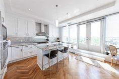 Condo+Apt+-+2+1+bedroom(s)+-+Toronto+-+$3,500,000