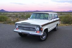 "This 1972 Wagoneer has a really cool interior! Love the ""cheese grater"" grille, too!"