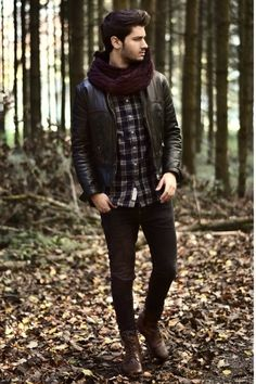 Autumn fashion hot guys outdoors autumn leaves style men's fashion
