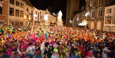 Carnaval Halle - Voor vele mensen van Halle en (verre) omstreken mag dit jaarlijks driedaags evenement zeker niet ontbreken. Overdag kermis, 's avonds barst het grootste feest van het jaar uit. Elk jaar staan er ook tal van vlaamse dj's en zangers op de affiche.