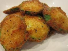 Fried Zucchini with Progresso Bread crumbs ~ fabulous and easy. The girls ran to the store to get more zucchini during the process! Fried Zucchini Recipes, Zucchini Fries, Veggie Recipes, Baby Food Recipes, Breaded Zucchini, Zucchini Pommes, Bread Appetizers, Recipe For Mom, Vegetarian Meals