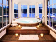 Jacuzzi Bathtub with Candled Steps and Round Windows - A Interior Design Romantic Bathrooms, Dream Bathrooms, Beautiful Bathrooms, Jacuzzi Bathtub, Infinity Pools, House Goals, Home Interior, My Dream Home, Future House