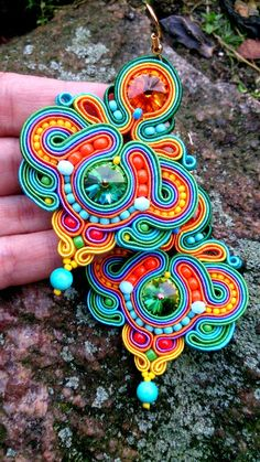 Más Soutache Necklace, Beaded Earrings, Beaded Jewelry, Handmade Jewelry, Jewellery, Handmade Necklaces, Soutache Tutorial, Ideas Joyería, Bijoux Diy