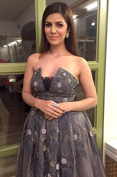 Nimrat-Kaur-wearing-diamond-ring-from-Anmol-Jewellers-at-Star-Screen-Awards,-styled-by-Tanya-Ghavri Nimrat Kaur Photographs MADHUBANI PAINTING (BIHAR)  PHOTO GALLERY  | I.PINIMG.COM  #EDUCRATSWEB 2020-05-31 i.pinimg.com https://i.pinimg.com/236x/aa/18/50/aa1850c02b5ceeb9bb140076cd3a78f7.jpg