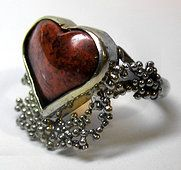 Heart ring with air granulation