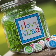 I Love My Dad Candy Jar for #Father'sDay with labels for the jar, Hershey's Kisses,