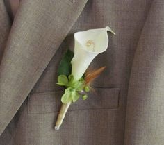 Calla Lily Boutonniere for your Wedding