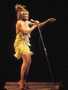 Dresses: Tina Turner in concert, 1970 - from the 75 most iconic dresses of al time Kylie Minogue, Tina Turner Costume, Vikki Dougan, Iconic Dresses, 1950s Dresses, Vogue, Fringe Dress, Female Singers, Grace Kelly