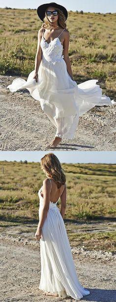 A-linie Spaghettiträger Rückenfrei Strand Hochzeitskleid mit Applikationen