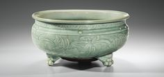 ARTS D'ASIE Paris A LONGQUAN CELADON CENSER, EARLY MING DYNASTY. 32,2 cm, 12 5/8  in.