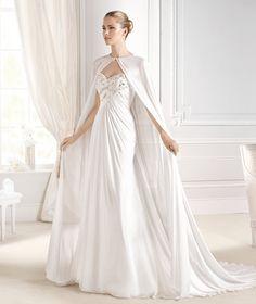 Vestido La Sposa con un ligero drapeado en la parte delantera