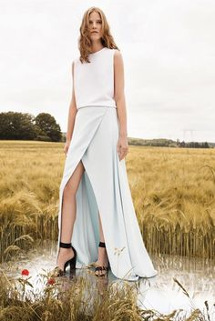 Chloe Resort 2013.. the whole collection is beyond amazing.. dying for some more whites & ice blues now.