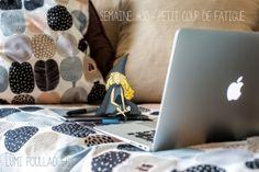 © Lumi Poullaouec Projet 52 #Fatigue #Lutin #Mac #Canapé #Illustration #Imaginaire #photographie