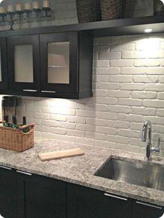 Gorgeous Kitchen Backsplash Ideas 32