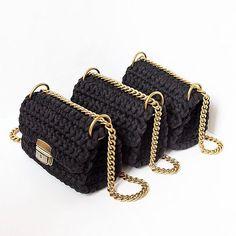 сумочка, связанная из трикотажной пряжи