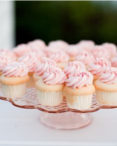 18 Valentine's Day Wedding Ideas From Real Celebrations - The Cupcakes