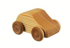 Stevige houten auto van het Zweedse Debresk. Mooi als eerste autootje voor je baby!