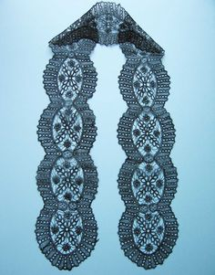 Chantilly, late 19 C Crochet Collar, Lace Collar, Rose Of Sharon, Chantilly Lace, Bobbin Lace, Irish Crochet, Honeycomb, Brides, Crochet Necklace