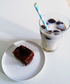 QUICK CHOCOLATE PIE & HOMEMADE ICED COFFEE