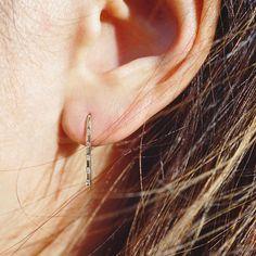 New — Diamond Quintet Earrings Simple Jewelry, Cute Jewelry, Body Jewelry, Jewelry Shop, Jewelry Stores, Jewelry Art, Jewlery, Jewelry Accessories, Minimalist Earrings