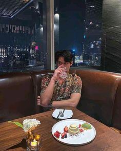 the series 👬❤ Bright Vachirawith Panic Rooms, Bright Wallpaper, Imaginary Boyfriend, Learn Mandarin, Boyfriend Photos, Bright Pictures, Cute Actors, Asian Actors, Boyfriend Material