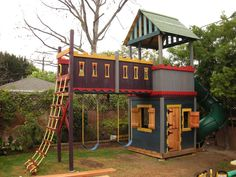 Like the rope ladder (and how it extends slightly higher than bridge floor) and seems like bridge is one step higher than fort portion. Plan to do similar extension (albeit L-shaped) to existing tree house to add monkey bars, rope ladder, Costco swing, climbing wall & zip line launch.