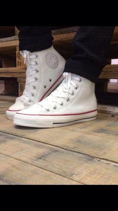 0c7da397f20 69 beste afbeeldingen van Fashion - Boots, Heel boot en Heel boots