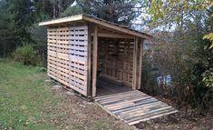 Pallet Barn, Pallet Shed, Pallet House, Wood Shed, Pallets Garden, Diy Storage Shed Plans, Barn Storage, Storage Sheds, Pallet Building