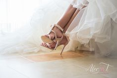 Pueblo Bonito Sunset Wedding Venue by Alec and T Sexy Wedding Shoes, Destination Wedding, Wedding Venues, Sunset Wedding, Cabo, Photographers, Bride, Amazing, Fashion