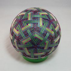 Temari | 6.5'' diameter, 32 centers, 2 patterns, all interwo… | Flickr