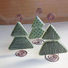 Lige frisk fra ovnen #christmastree #trees #color #glass #handmade #levafdinkunst #green @artdustglaskunst: