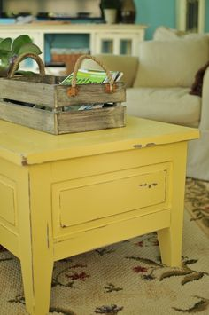 This canary yellow table would be a happy accent in our family room. I think I must try it :) May be I should paint my coffee table? Furniture Projects, Furniture Makeover, Home Projects, Diy Furniture, Modern Furniture, Palette Furniture, Furniture Design, Furniture Movers, Interior Modern