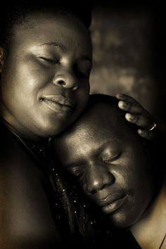 Anniversary photography celebrates sweet contentment.