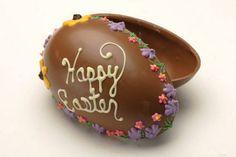 Scopri i nostri stampi per realizzare uova pasquali di cioccolato: disponibili 4 diversi modelli! http://decorazioniperdolci.it/lavorare-cioccolato/stampi-policarbonato-cioccolato.html #uovadipasqua #graziano
