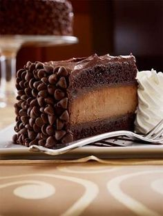 I hate cheesecake...EXCEPT this one! (Cheesecake Factory's Hershey's Chocolate Bar)