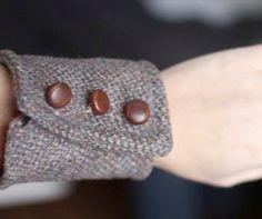 turn an old blazer into a trendy wool bracelet