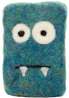 Don't be blue this little monster is here to help you! This woolen mini monster houses a bar of handmade, old fashioned soap to get your hands clean. He is made of wool, but is not scratchy- he's actually really good for exfoliating. Felted Soap, Wet Felting, Needle Felting, Felt Kids, Soap On A Rope, Mini Monster, Soap Tutorial, Soap Packaging, Home Made Soap
