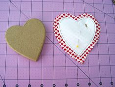 DIY Valentine Pin Cushion and Trinket Box - Once Upon a Sewing Machine Fun Projects For Kids, Easy Sewing Projects, Diy Craft Projects, Craft Tutorials, Sewing Tutorials, Fun Crafts, Crafts For Kids, Diy Valentine, Valentine's Day Diy