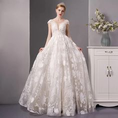 Wedding Dress Prices, Lace Beach Wedding Dress, Elegant Wedding Dress, Dream Wedding Dresses, Wedding Gowns, Bridal Gown Styles, Bridal Dresses, Wedding Styles, Sexy Gown