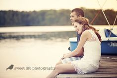 copyright sweet life photography, couples photography, engagement sessions, lake, boat, dock, love, romance