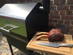 Steak op de BBQ 8: Low & Slow Rib Roast op de Green Mountain Pellet BBQ Bbq Steak, Rib Roast, Green Mountain, Steak Recipes, Steaks, Grilling, Amp, Group, Board