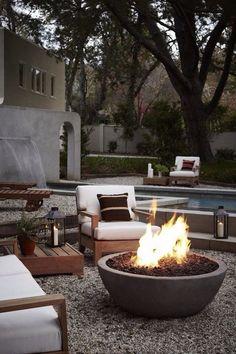 Chimeneas de exterior. Soluciones para jardines en invierno. #chimeneas. #jardines