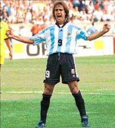 Gabriel Batistuta  Argentina Gabriel, Soccer, Hipster, Football, Running, Classic, Style, Fashion, Sports