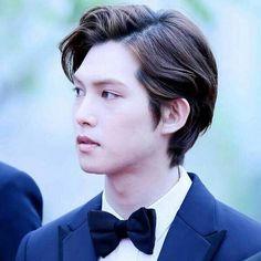 Why Why so handsome!!?!!   Good night Boices  #cnblue #leejonghyun #jonghyun #korea #korea #kpop #music #boyband #boice #rockstar #rockband #guitarist #guitar #jungshin #yonghwa #minhyuk #lovely #love4cnblue #handsome #talented #burning #busan